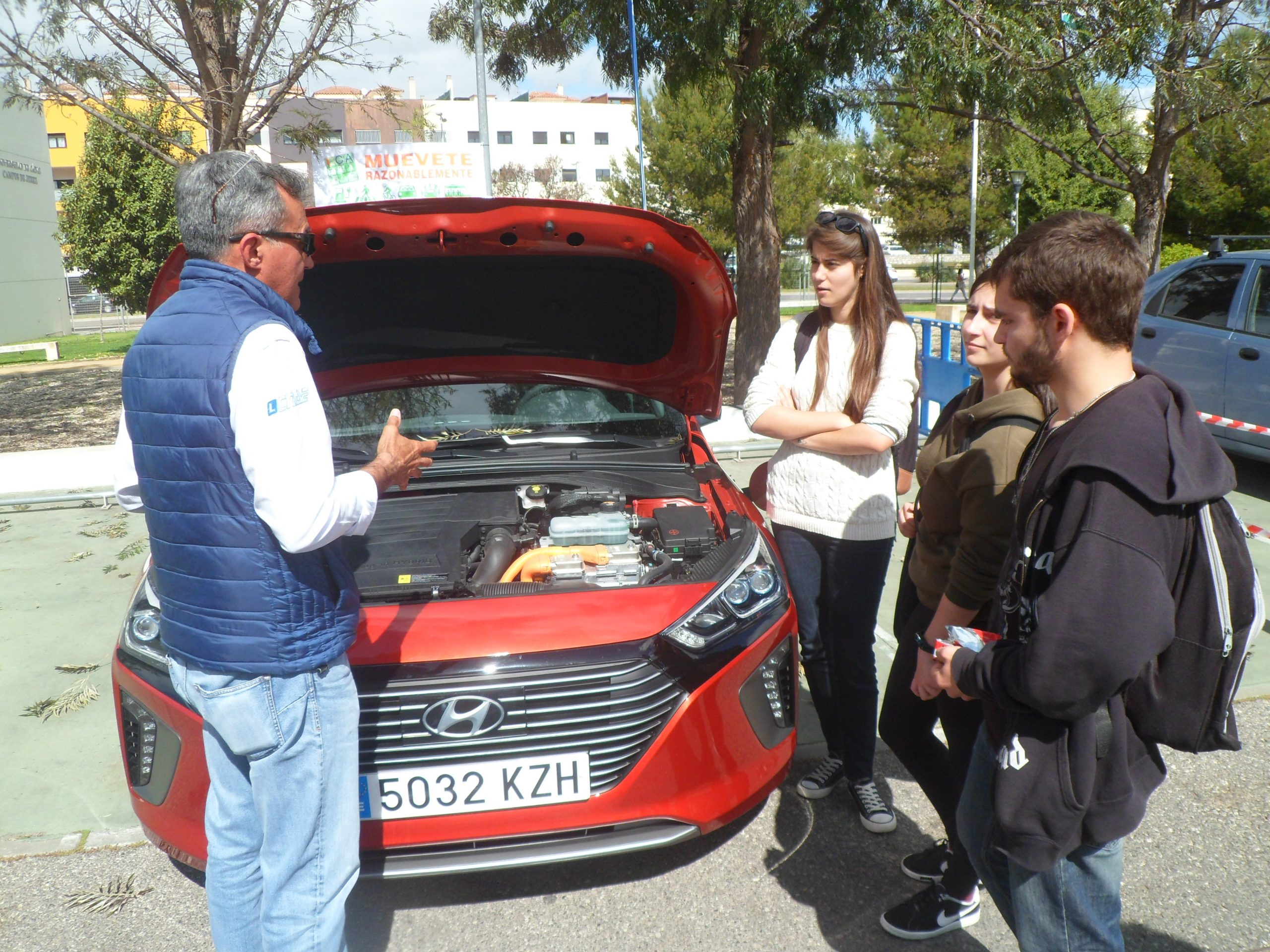 """Éxito de participación de la Campaña de Movilidad Sostenible """"Muévete Razonablemente"""" en el Campus de Jerez."""